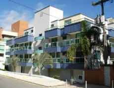 V007B - Excelente apartamento á 30 mts da Praia
