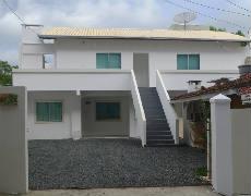 Casa no Piso Superior em Bombinhas