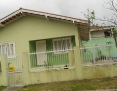 Casa com 2 quartos em Bombinhas