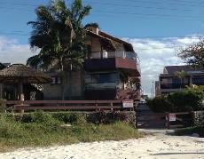 Apartamento em Bombinhas na quadra do mar