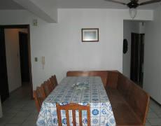 Apartamento com 02 dormitórios em Bombas