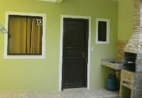Casa com 01 dormitório