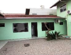 Apartamento em Bombinhas para 03 pessoas