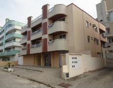 Apartamento com 2 Quartos em Bombas