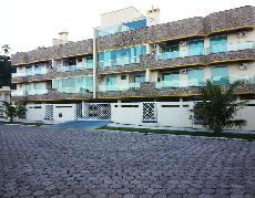 Lindo apartamento em 4 ilhas à 50mts da praia