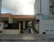 Linda casa germinada em Perequê