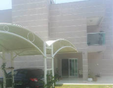Linda casa com 03 suítes no centro de Porto Belo