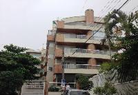 Excelente apartamento em Bombas
